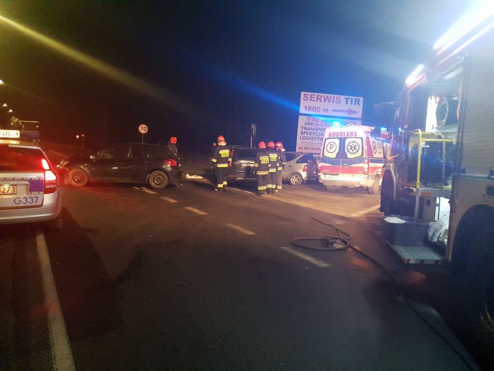 Wypadek w Andrychowie. Zderzenie trzech aut na skrzyżowaniu