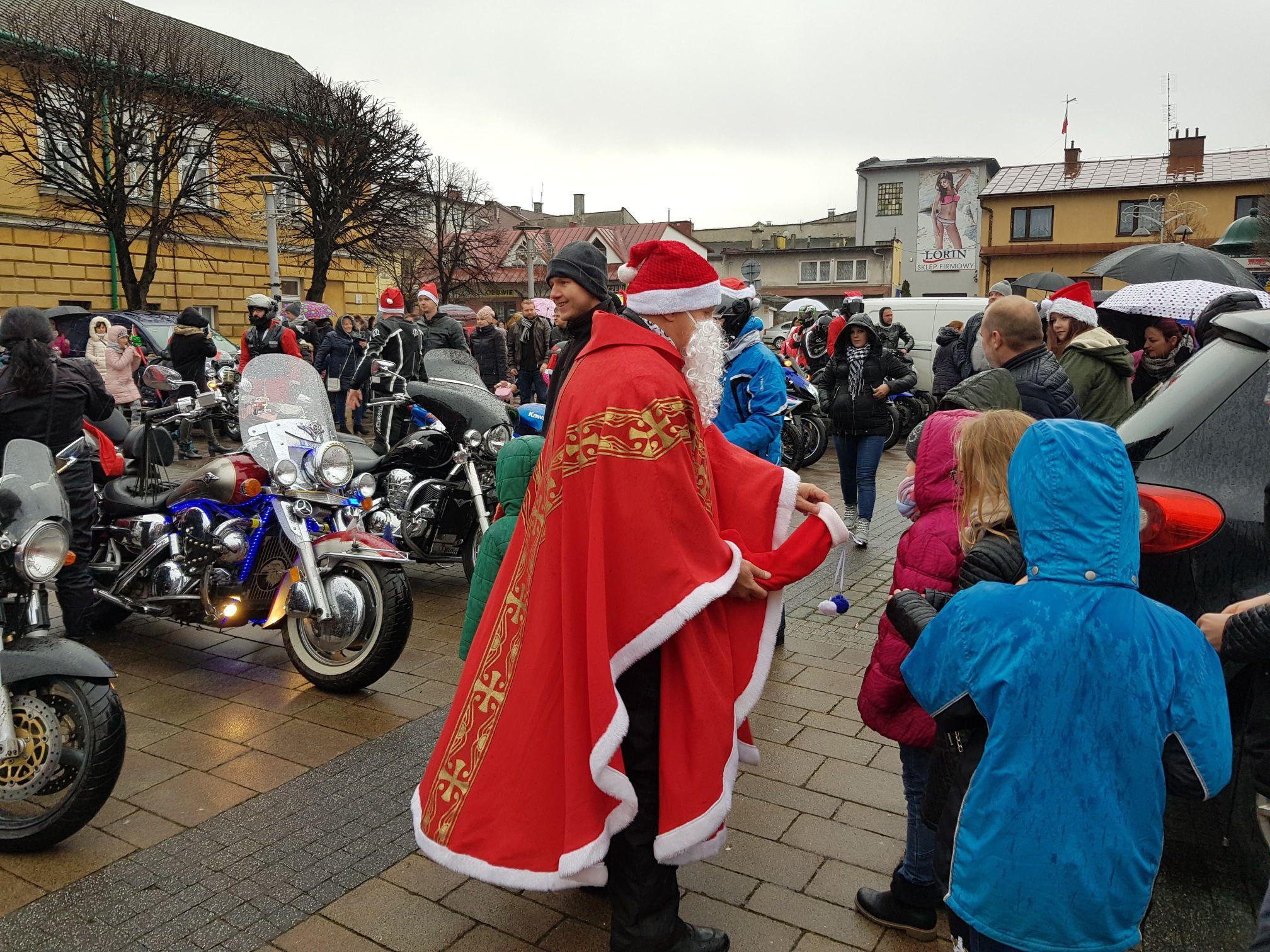MotoMikołaje na placu Mickiewicza w Andrychowie [FOTO]