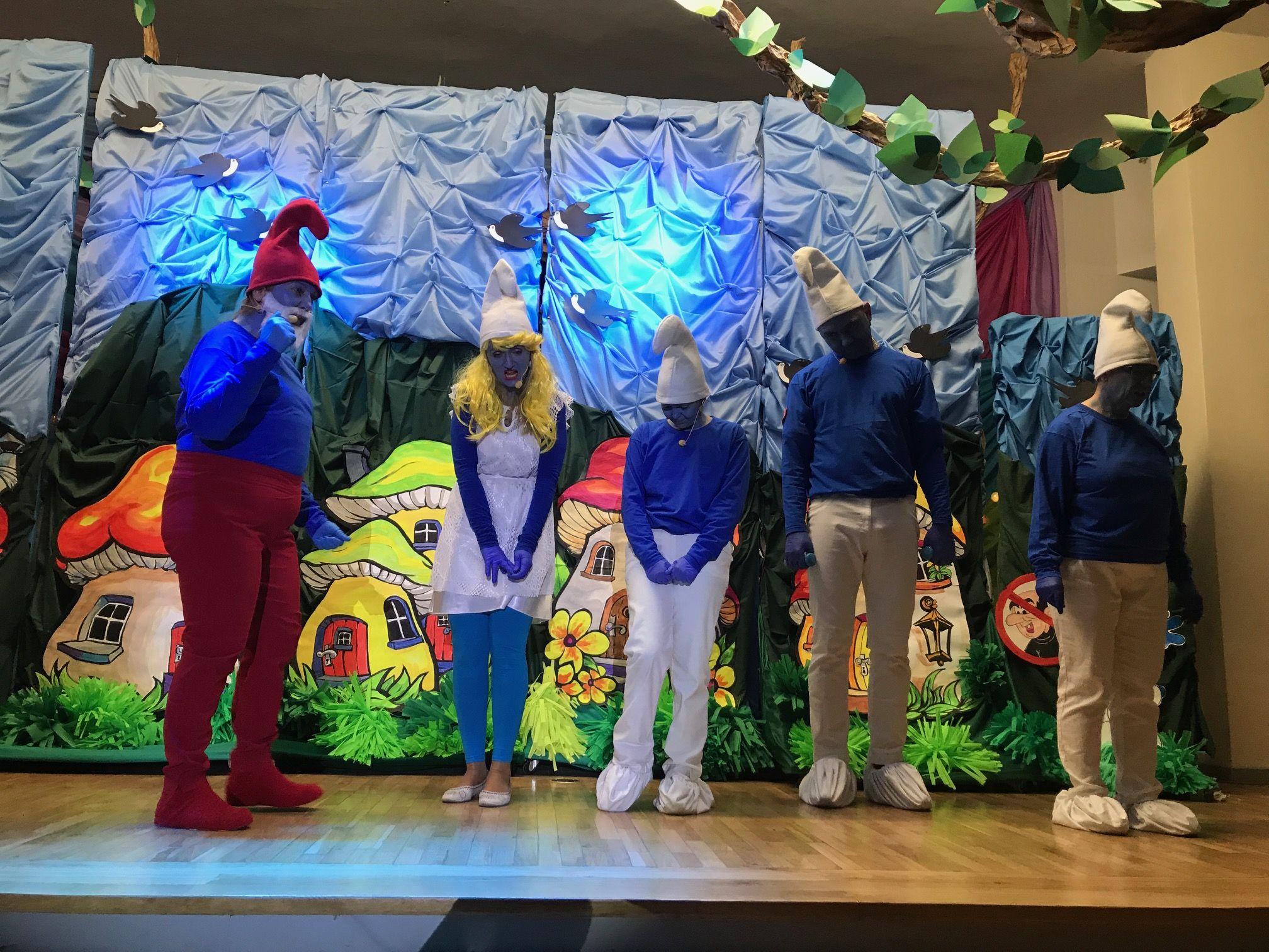Dorośli zagrali spektakl dzieciom. Popisowa gra rodziców i nauczycieli