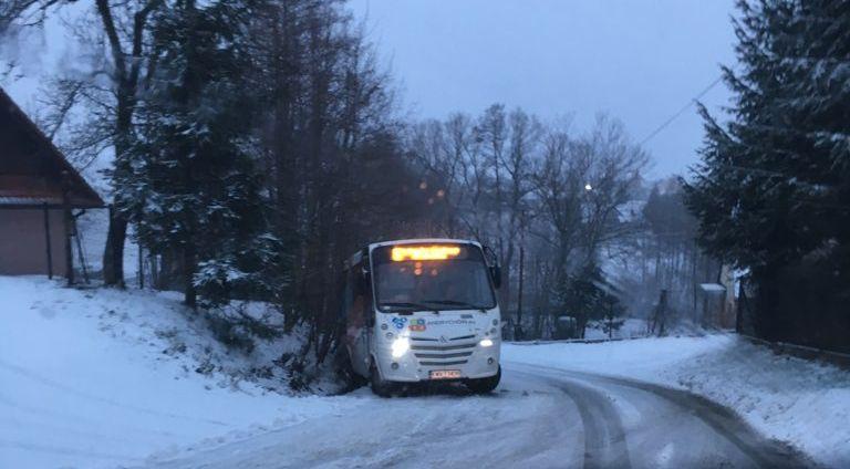Zima! Od rana wielu kierowców ma problem na drogach