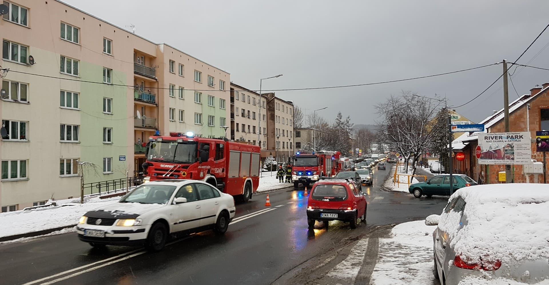 Pożar na Krakowskiej, dwie osoby poszkodowane [FOTO]