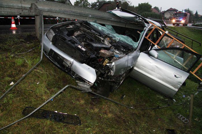 Potrzebna pomoc dla kierowcy poszkodowanego w tym wypadku