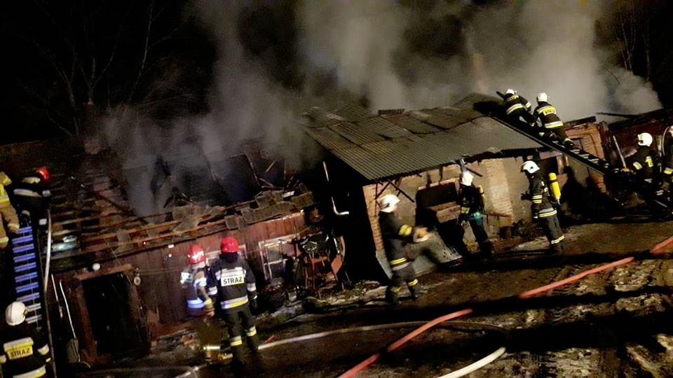 Olbrzymi  pożar zabudowań gospodarczych