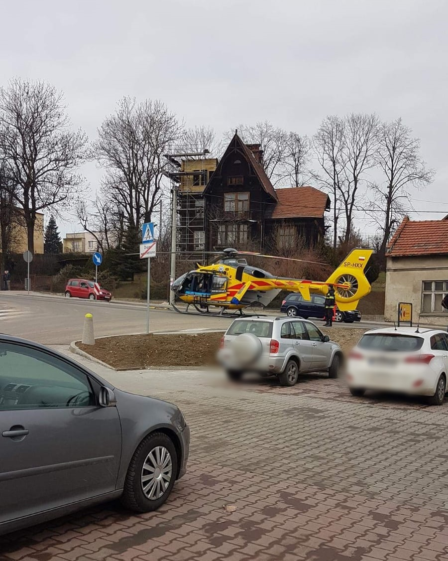 Mężczyzna spadł z wysokości na budowie. Wezwno śmigłowiec LPR