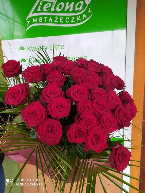 Kwiaciarnia 'Zielona Wstążeczka' w Bulowicach na Walentynki. Wstąp po drodze po kwiaty dla Ukochanej