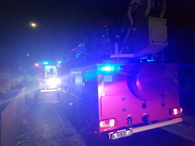 Duża akcja straży, pożar budynku mieszkalnego [FOTO]