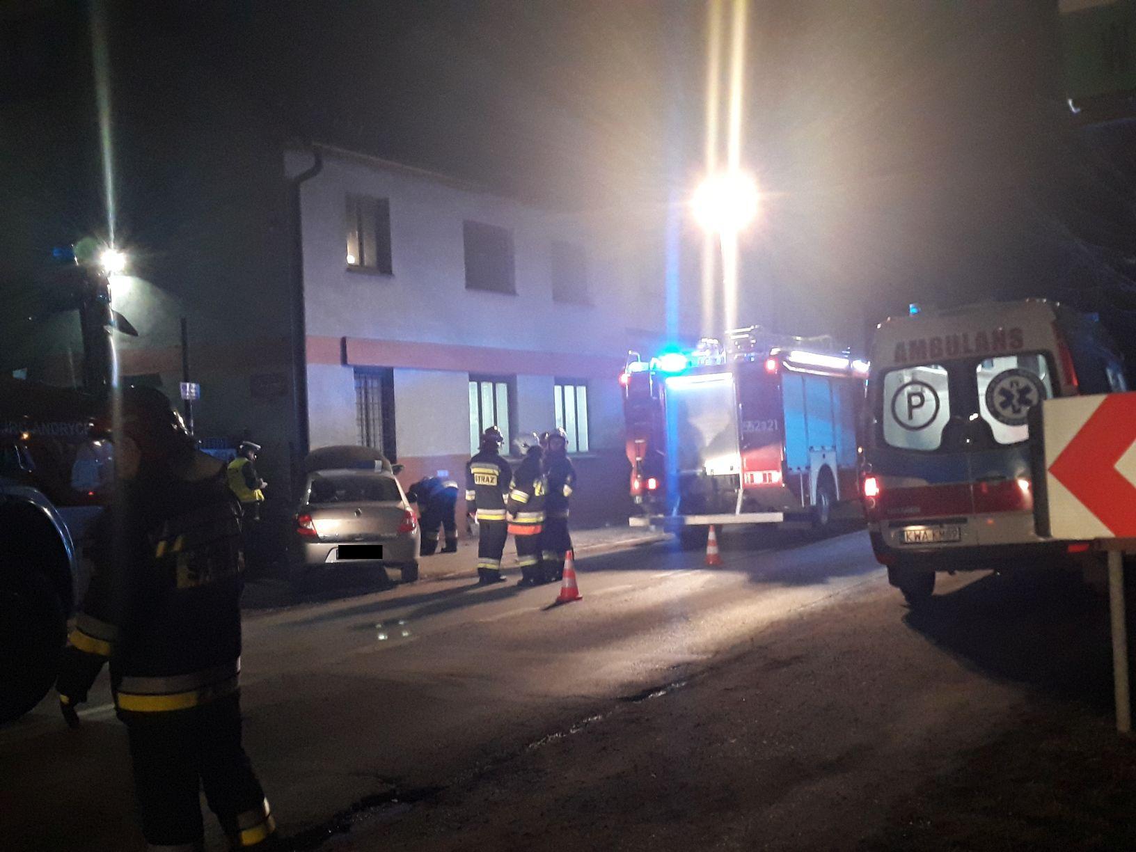 Andrychów: samochód uderzył w budynek [FOTO]