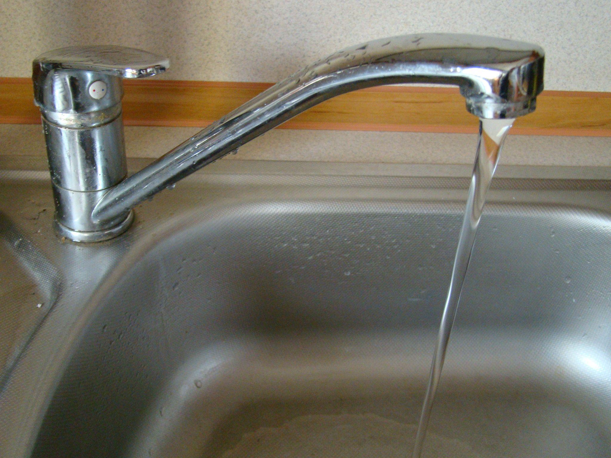 Śmieci droższe od kwietnia, a tymczasem kolejna podwyżka jest już przesądzona - za wodę i ścieki