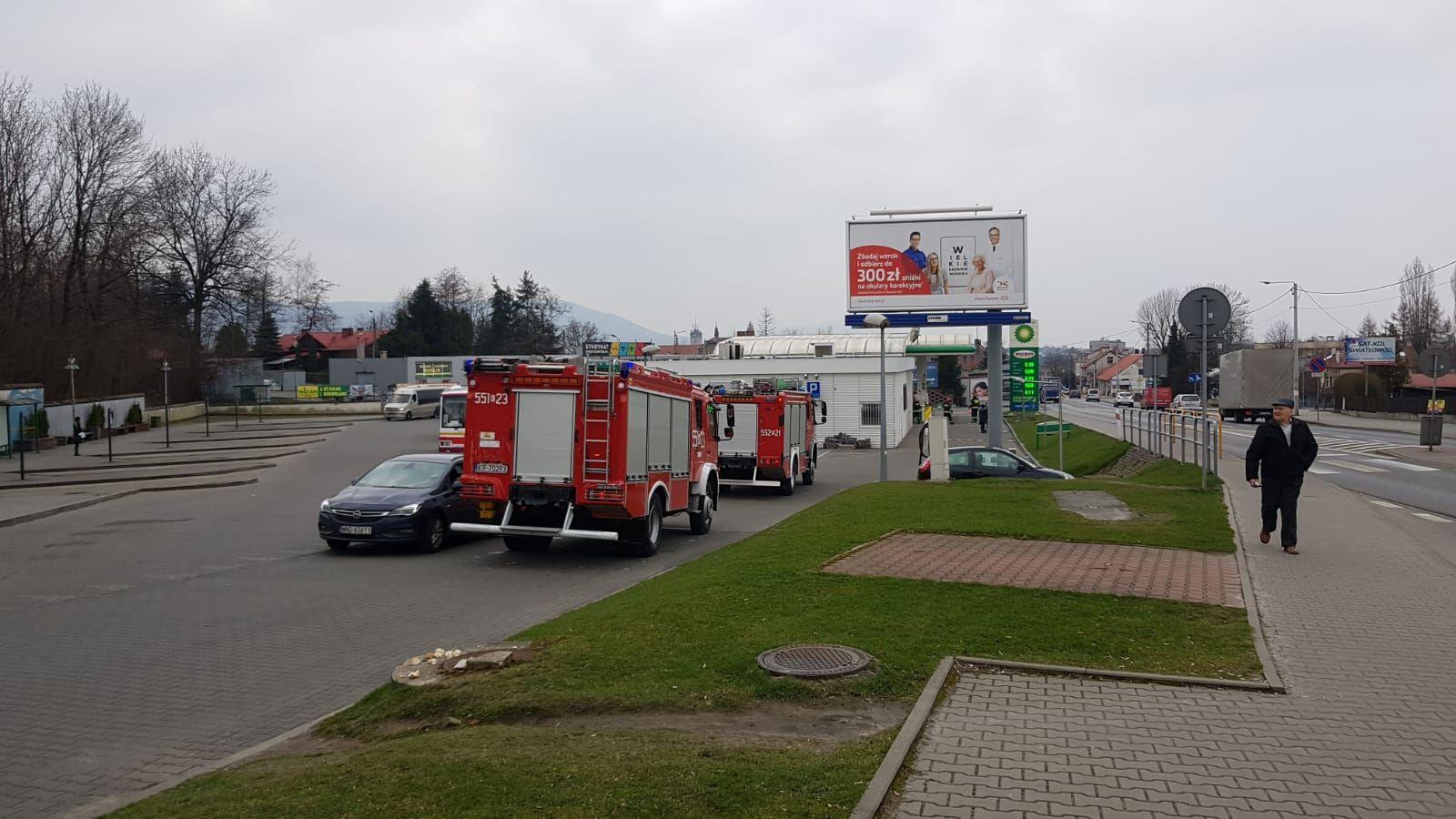 Wyciek gazu z samochodu na stacji [AKTUALIZACJA]