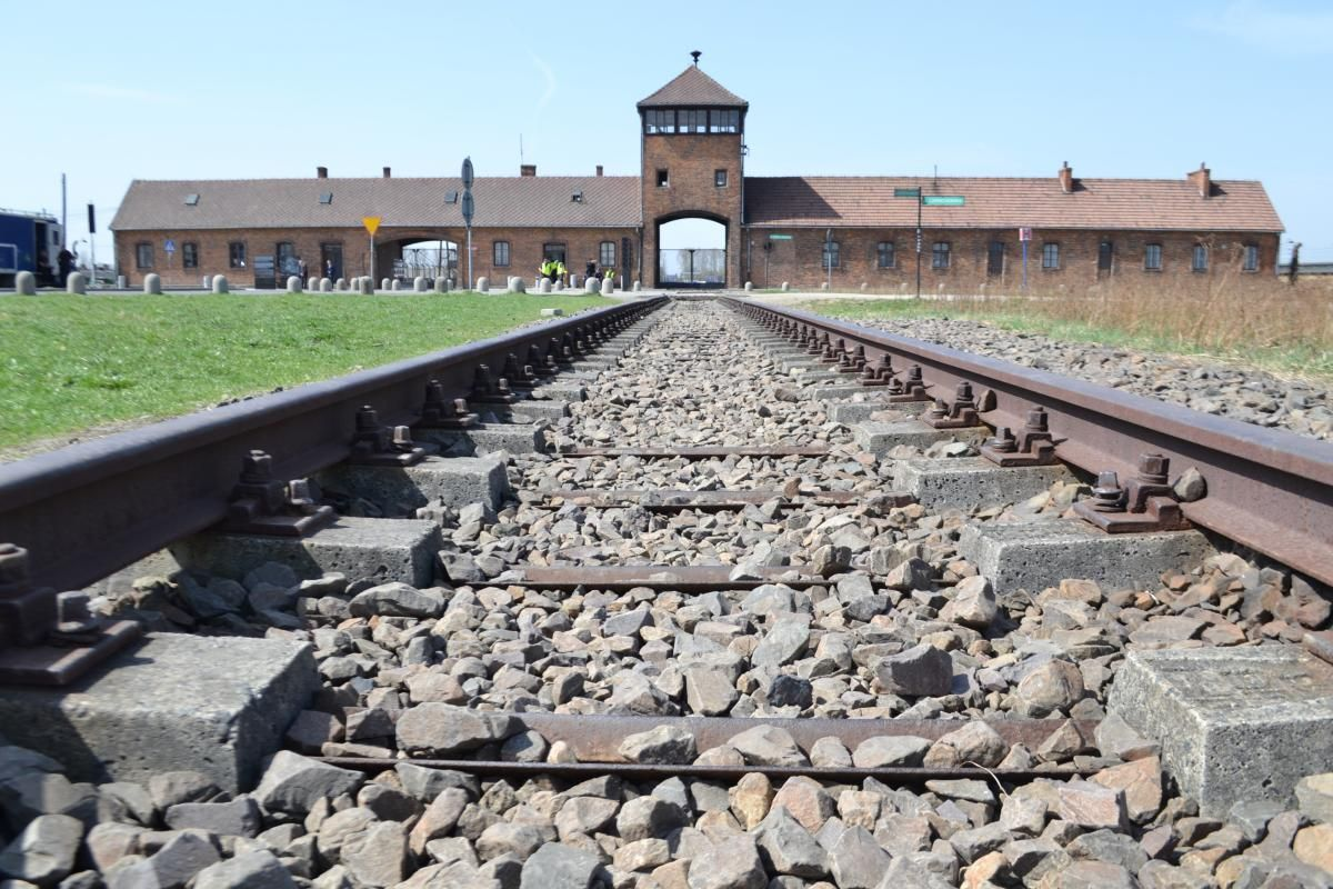Amerykanin odpowie za kradzież w muzeum Auschwitz – Birkenau