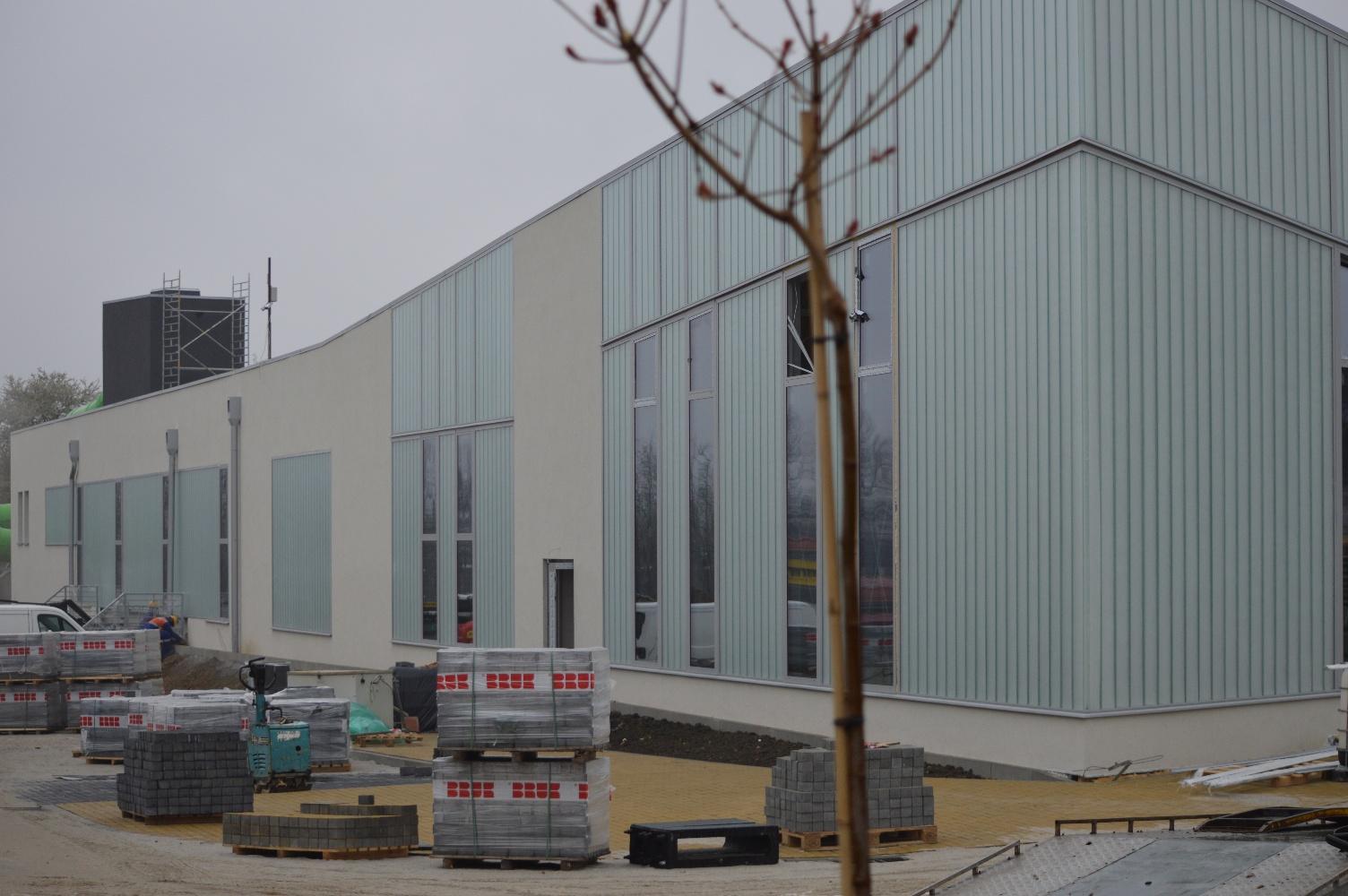 Kończą budowę basenu, teraz pora na nową halę? [FOTO, VIDEO]