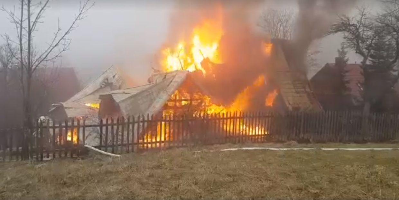 Dramat pod Babią Górą. Rano całkowicie spłonął dom