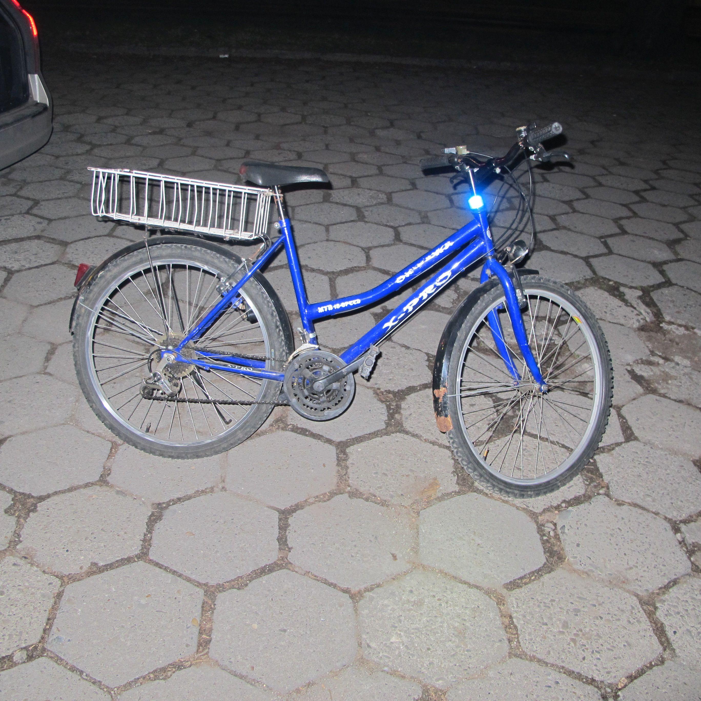 Policjanci cały czas poszukują sprawcy potrącenia rowerzystki
