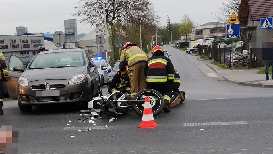 Motocyklista ranny po zderzeniu z samochodem