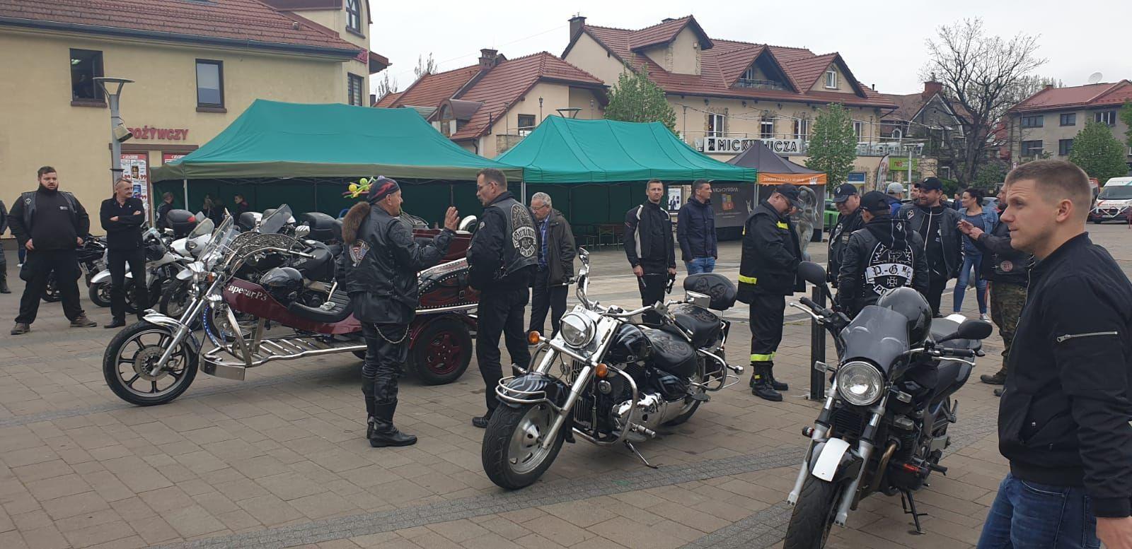 Motocykliści zorganizowali akcję krwiodawstwa na placu Mickiewicza