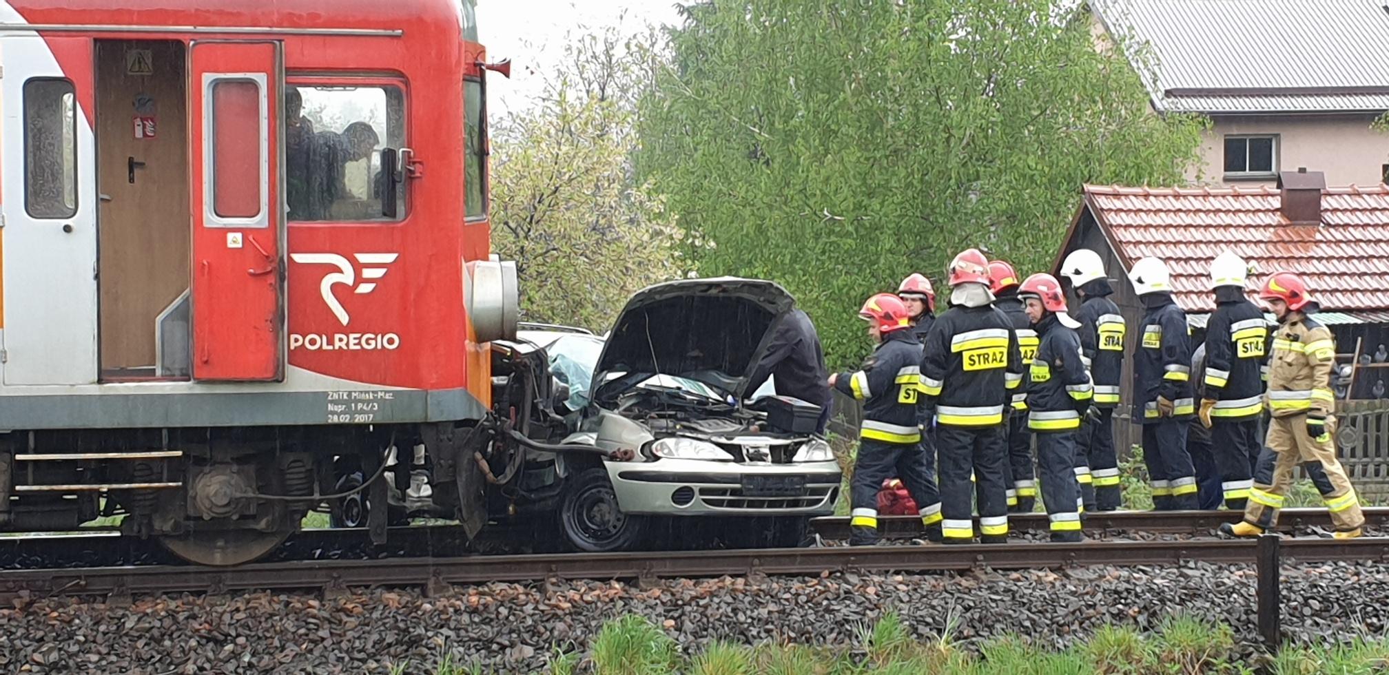 Zderzenie z pociągiem na przejeździe w Andrychowie [FOTO]