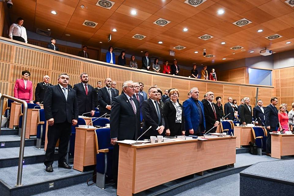 Małopolscy radni przyjęli deklarację ws. sprzeciwu wobec ideologii LGBT
