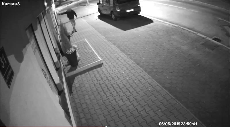 Policja zatrzymała mężczyznę, który strzelał do witryn sklepowych