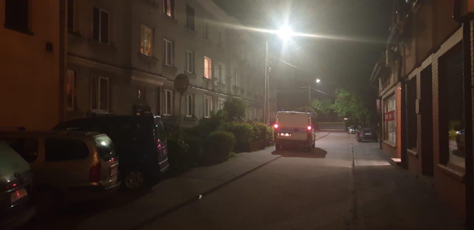 Atak nożownika w centrum Andrychowa, poszkodowany trafił do szpitala
