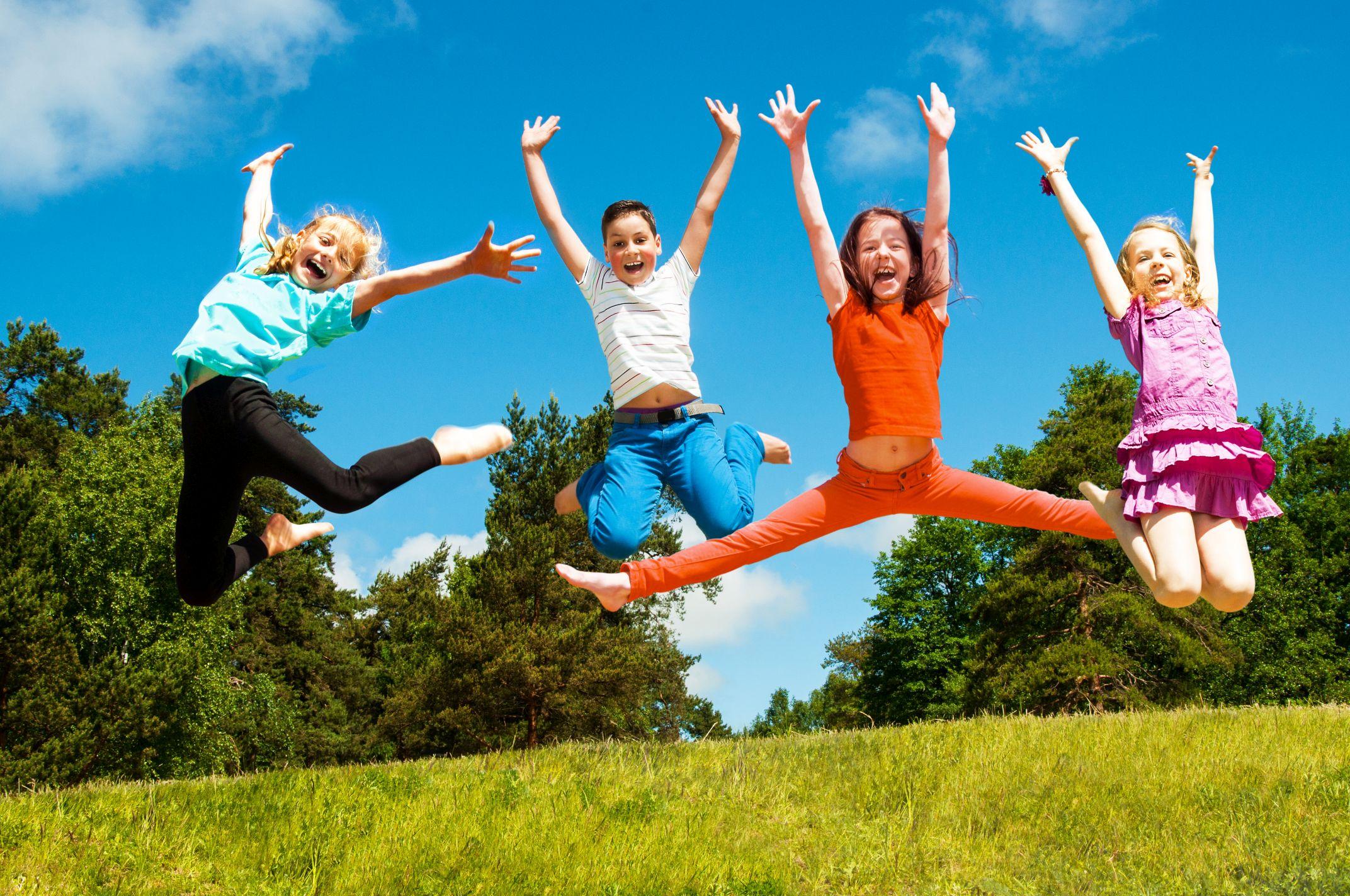 PÓŁKOLONIE JĘZYKOWE W FACE 2 FACE to mądre i aktywne wakacje Twojego dziecka!