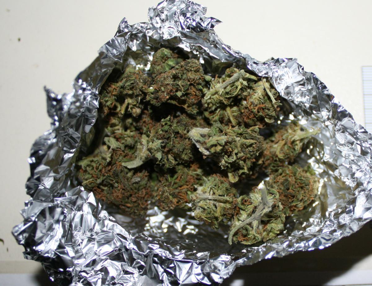 Podczas interwencji domowej policjanci znaleźli narkotyki