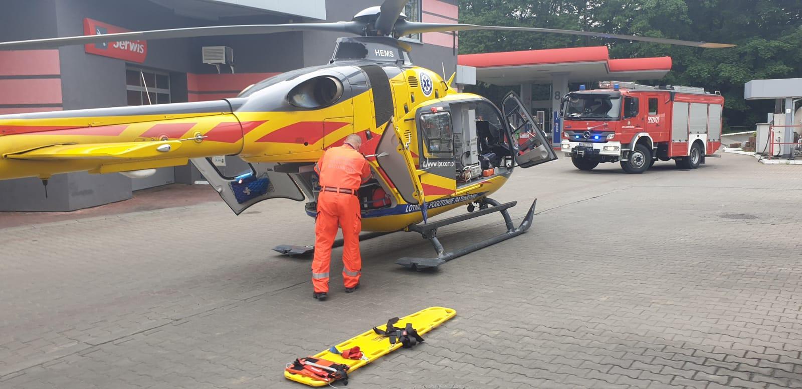 Wypadek w Andrychowie. Wezwano śmigłowiec ratowniczy [FOTO]