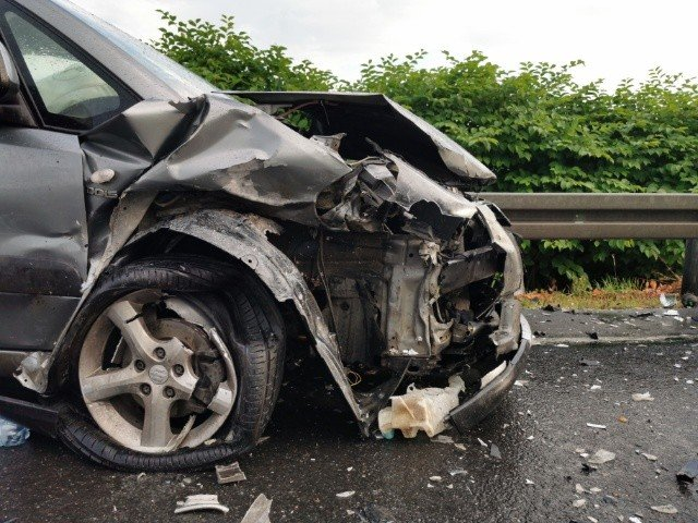 Samochody roztrzaskane ale na szczęście nikomu nic się nie stało