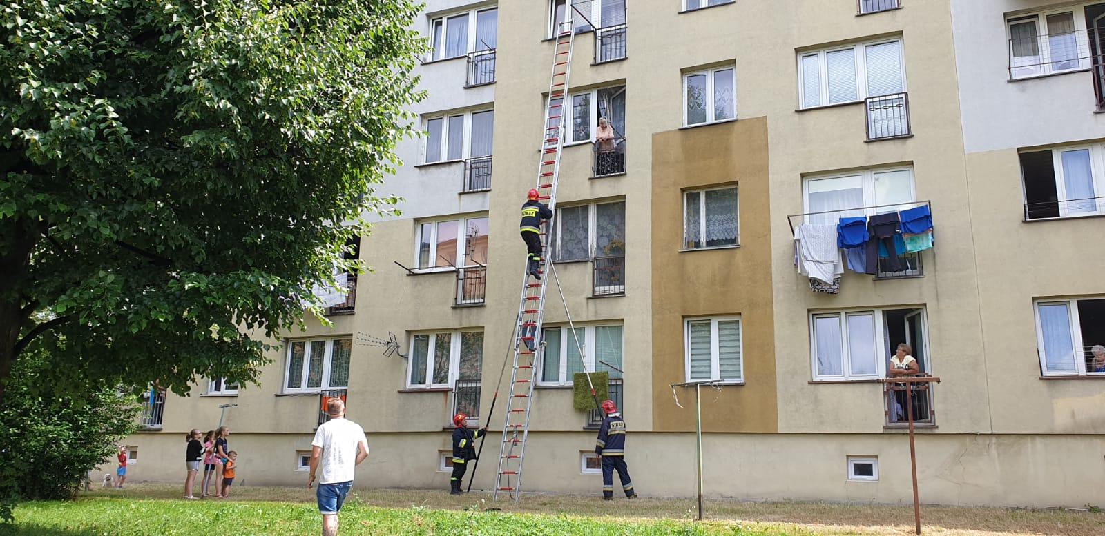 Strażacy interweniowali na osiedlu