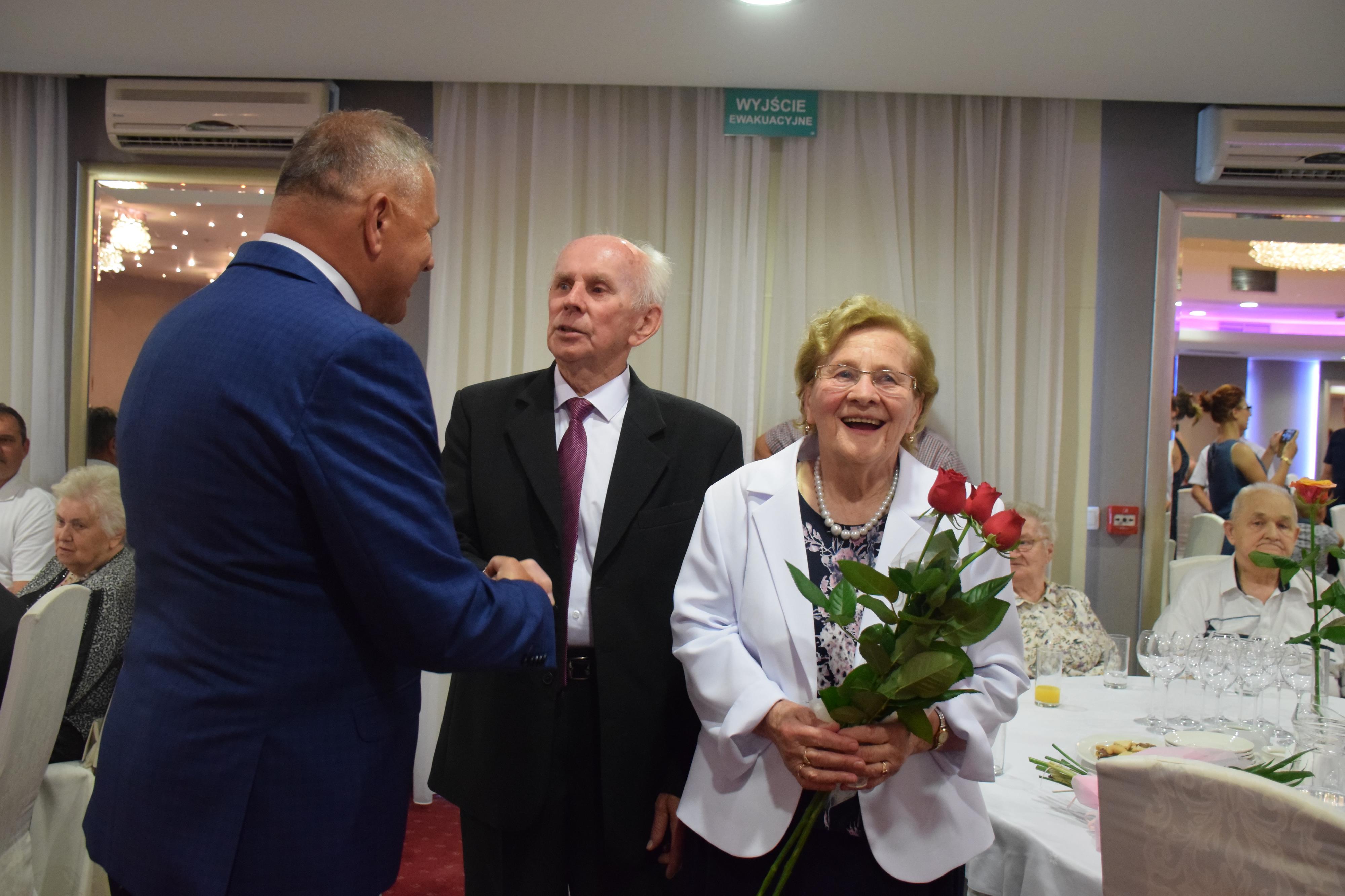 60 i 65 lat razem! Małżeństwa godne naśladowania [FOTO]