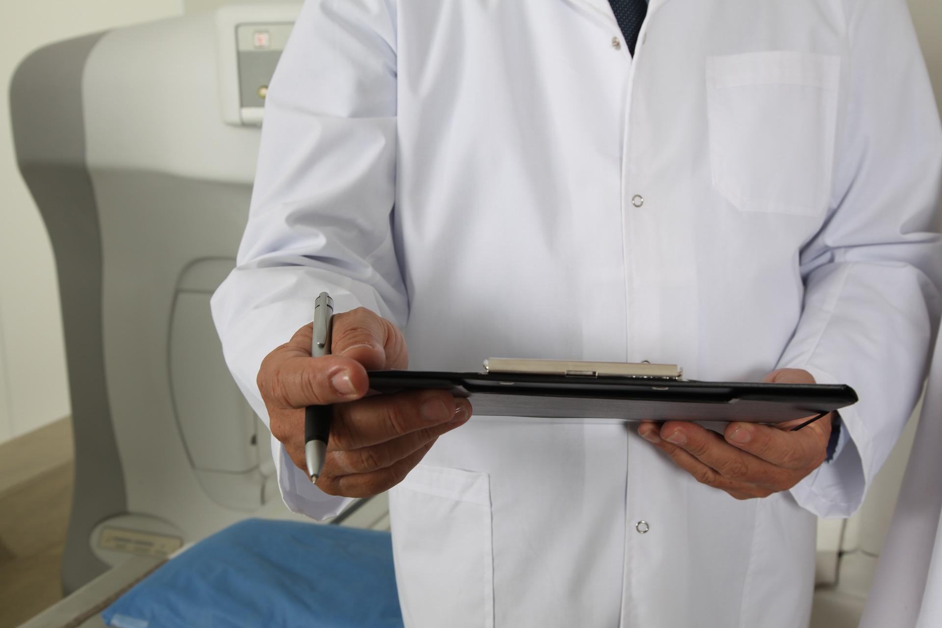 Ile czeka się w kolejce do lekarza specjalisty na NFZ?