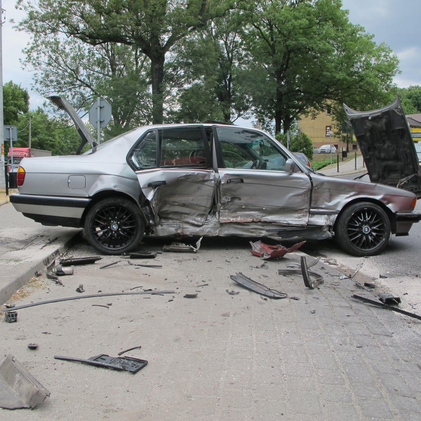 Wypadek na skrzyżowaniu dróg krajowych [FOTO] [AKTUALIZACJA]