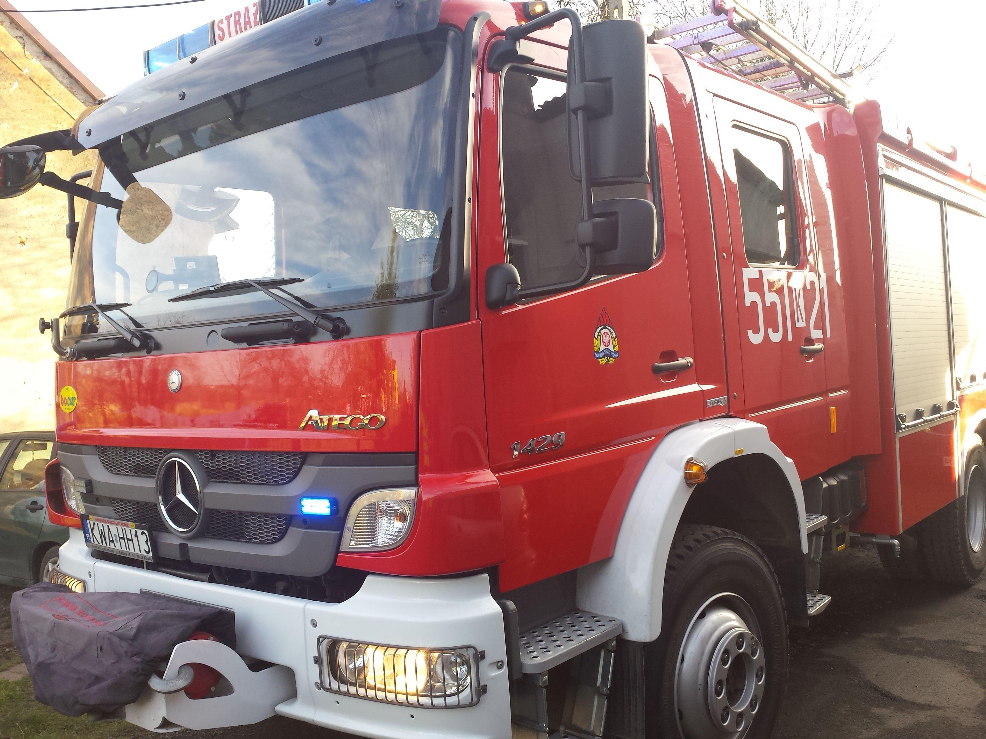 Strażacy zaalarmowani o pożarze domu, a tymczasem...