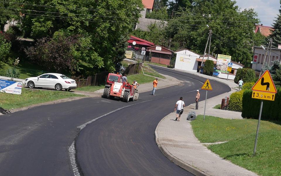 2,7 km nowego asfaltu, kierowcy muszą się na razie uzbroić w cierpliwość
