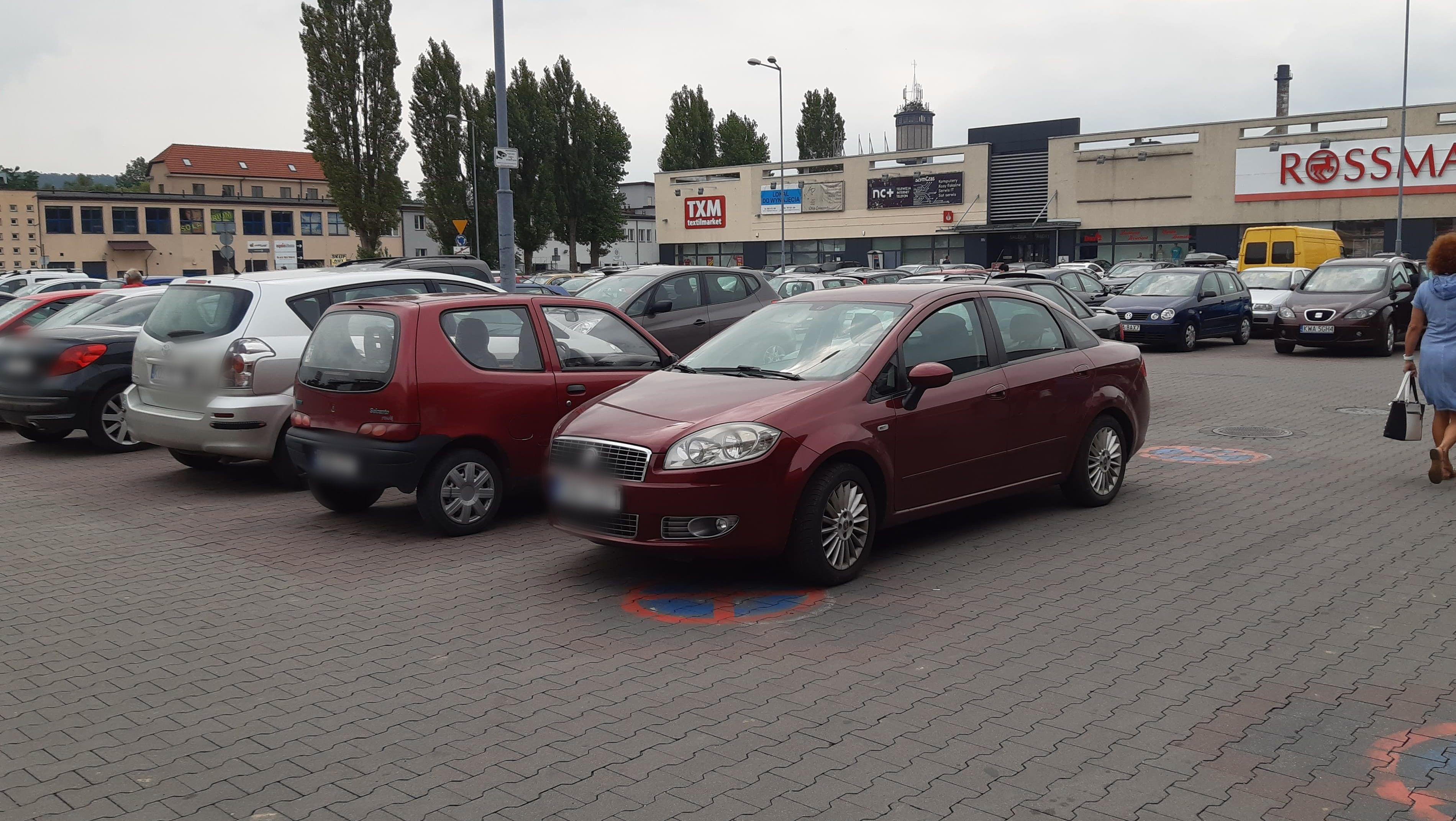 Niekończące się problemy na parkingu przed Kauflandem