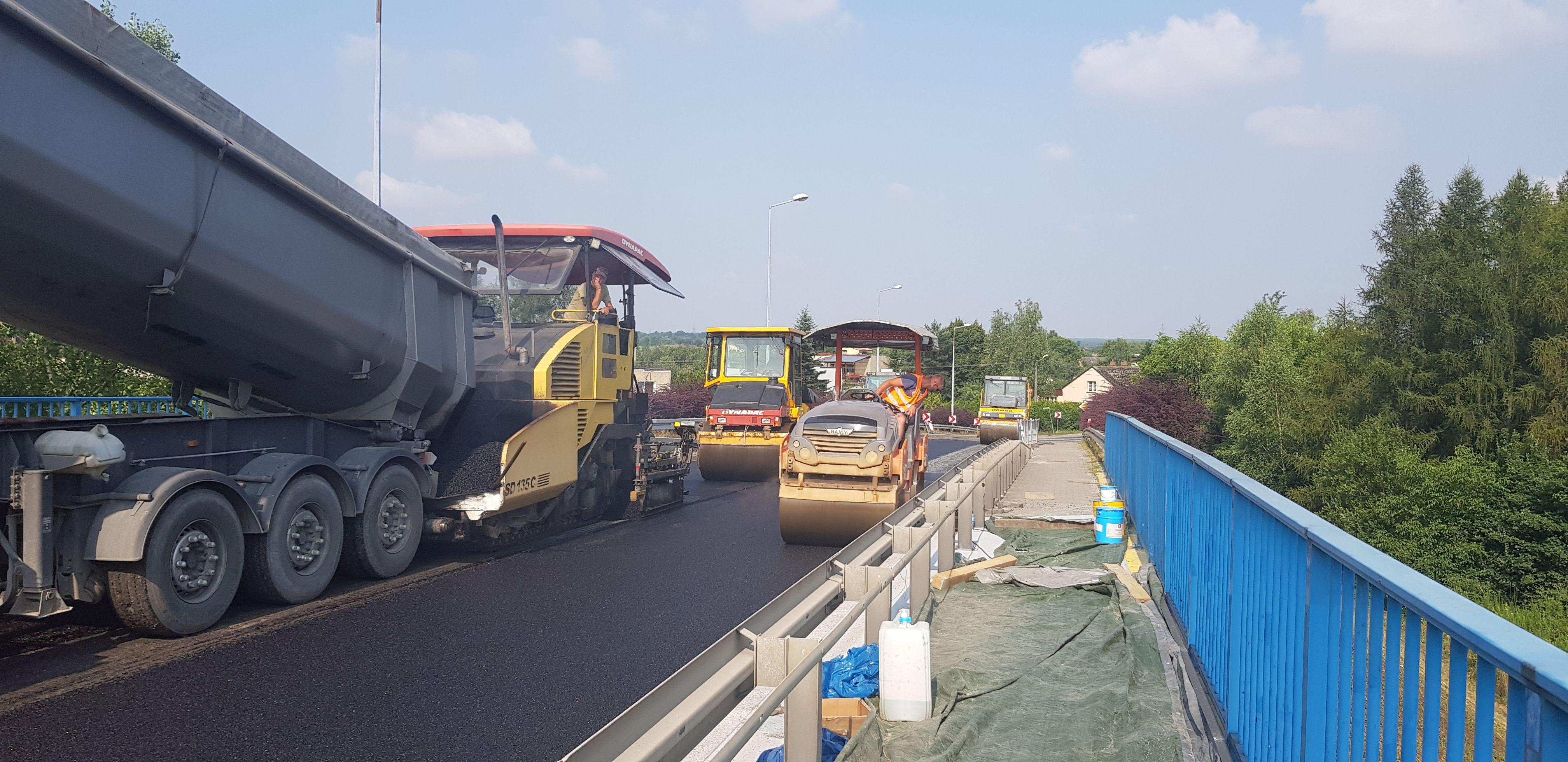 Dobra wiadomość dla kierowców. Koniec remontu wiaduktu na DK44. Koniec objazdów!