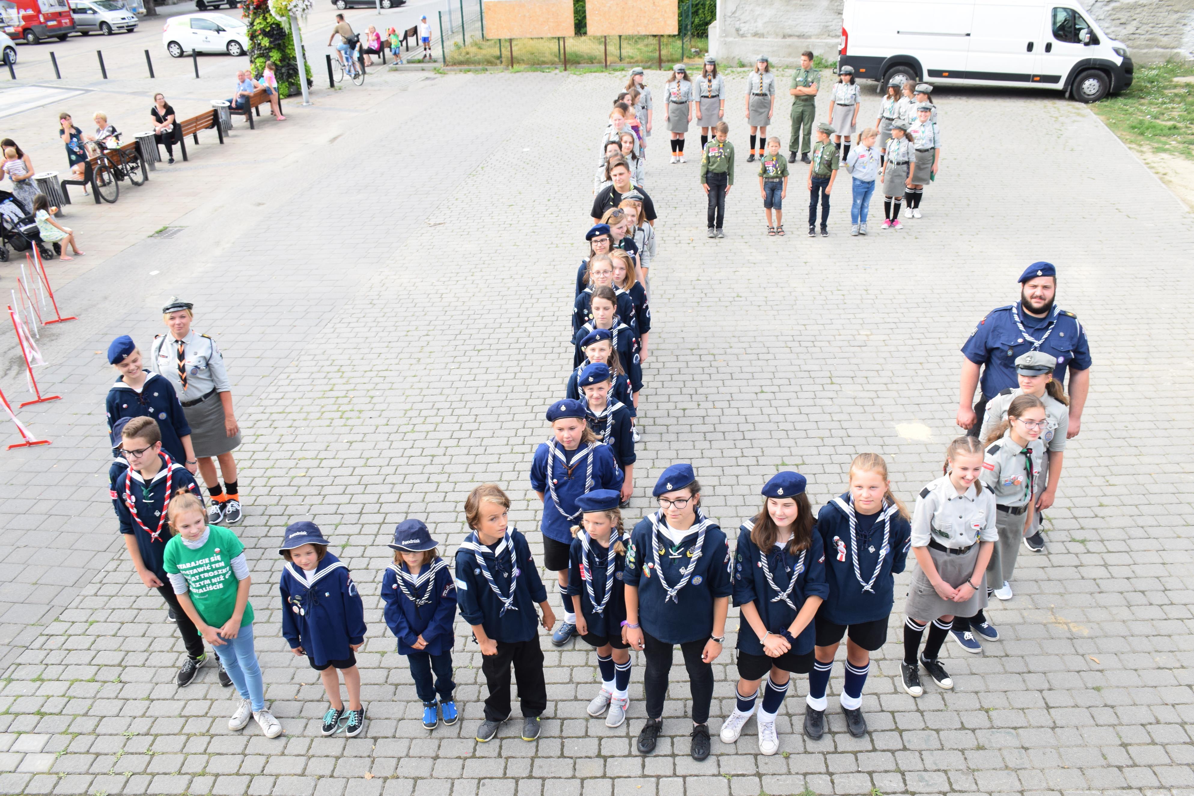 Harcerze i strażacy oddali hołd Powstańcom Warszawskim [FOTO]