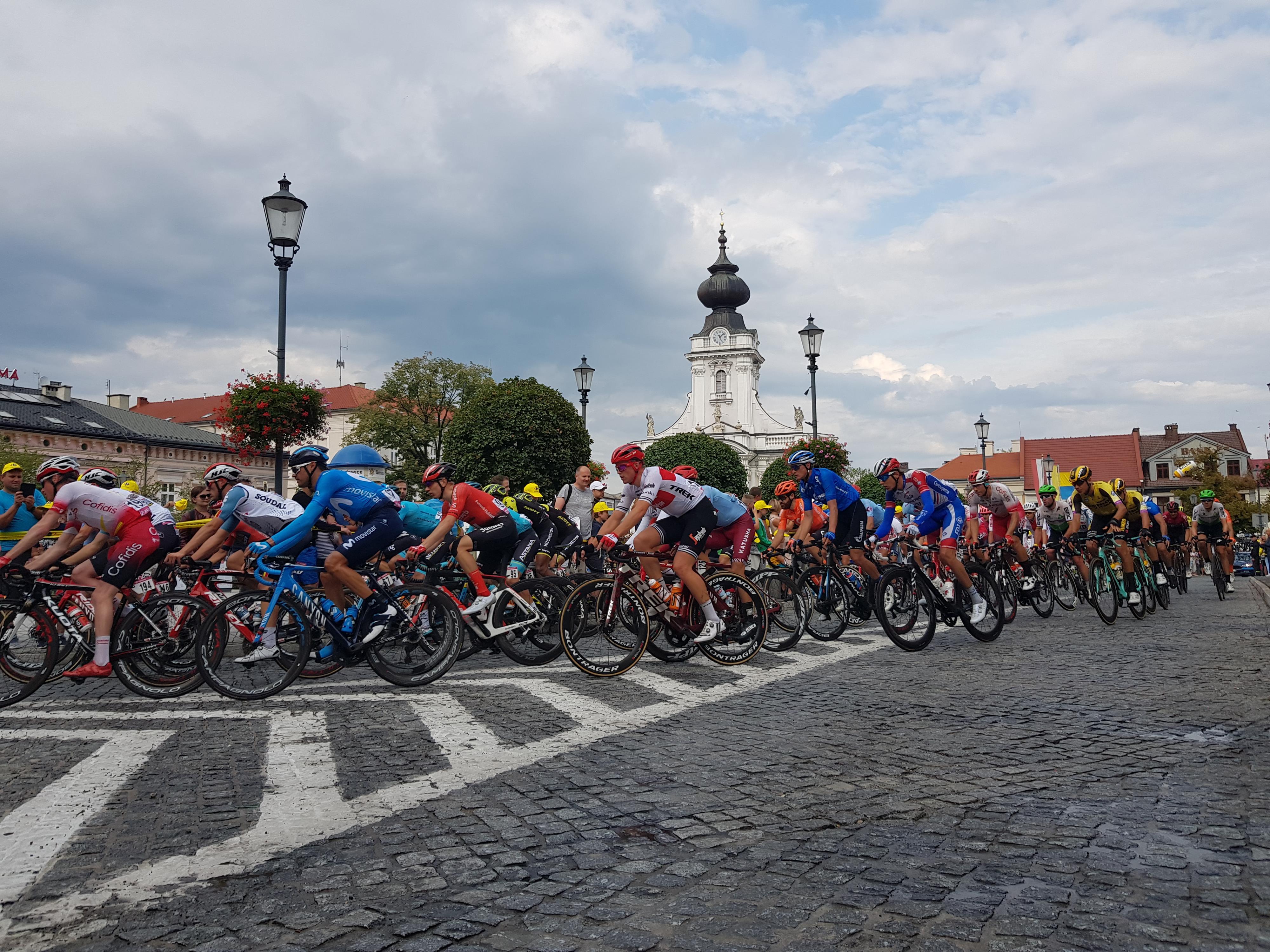 Kolarzy Tour de Pologne w Wadowicach witali mieszkańcy [FOTO]