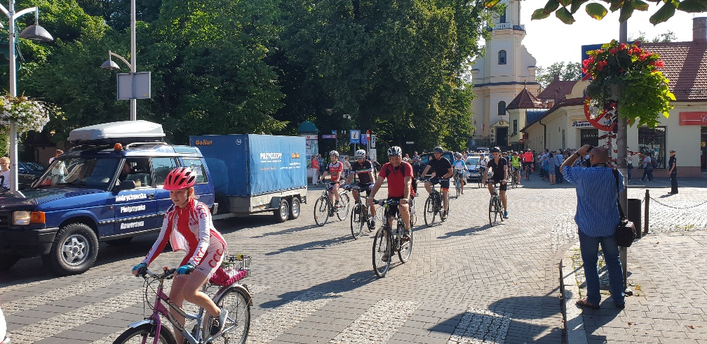 124 rowerzystów wyruszyło z Andrychowa na Jasną Górę [FOTO]