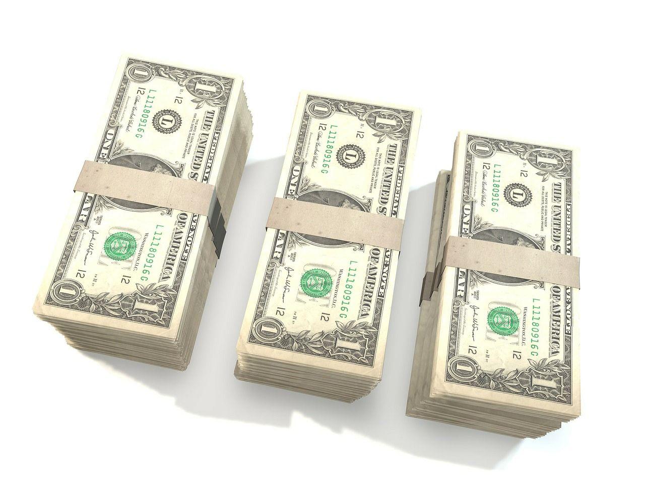 Dolar dla Polaków nadal wyjątkowy. Czy słusznie lubimy amerykańską walutę?