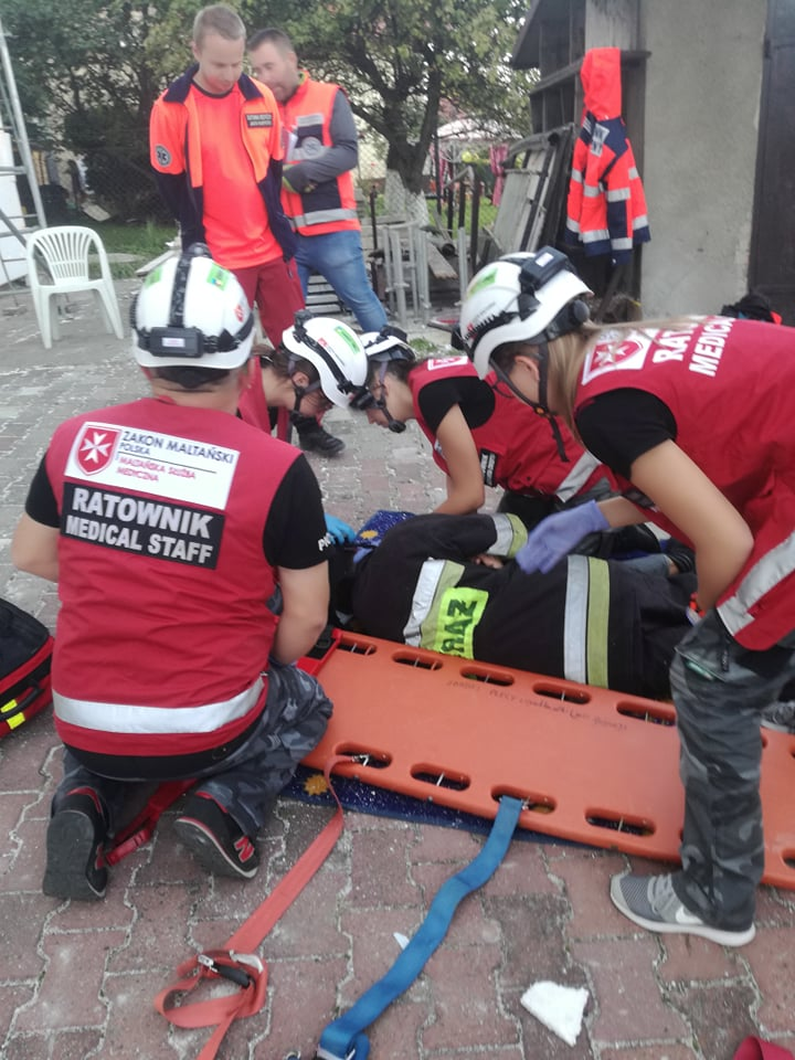 Wypadek ambulansu na rynku w Kętach... Strzelanina w szkole w Porąbce ...