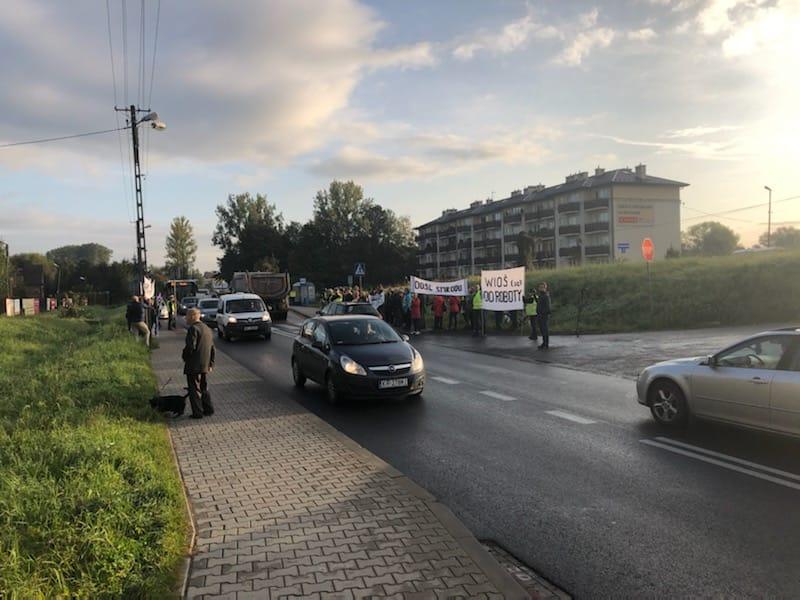 Uwaga kierowcy. Utrudnienia na drodze do Krakowa z powodu protestu