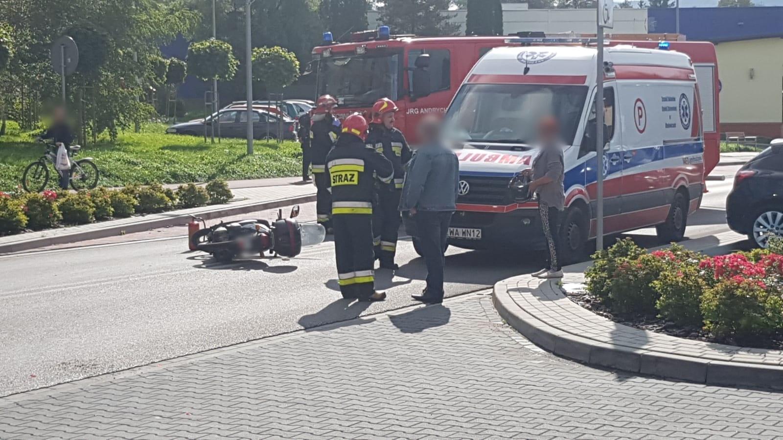 Wypadek w Andrychowie, zderzenie samochodu ze skuterem [FOTO]