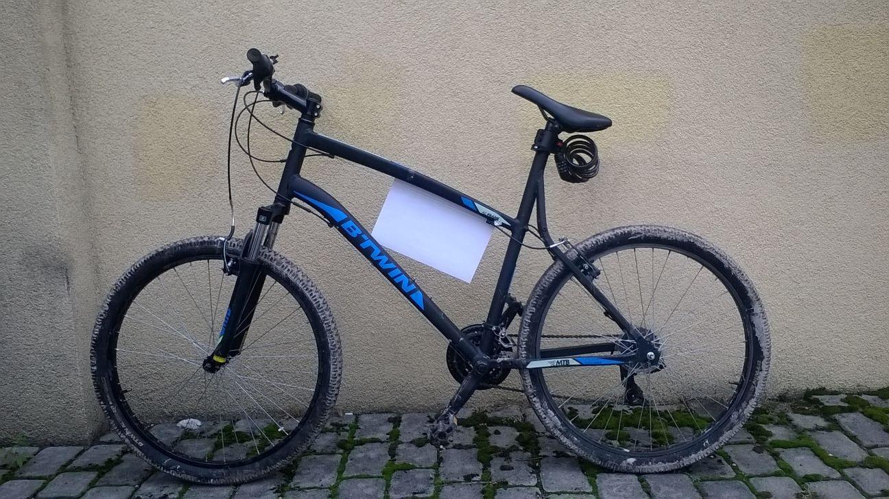 Dwa porzucone rowery czekają na właścicieli komisariacie