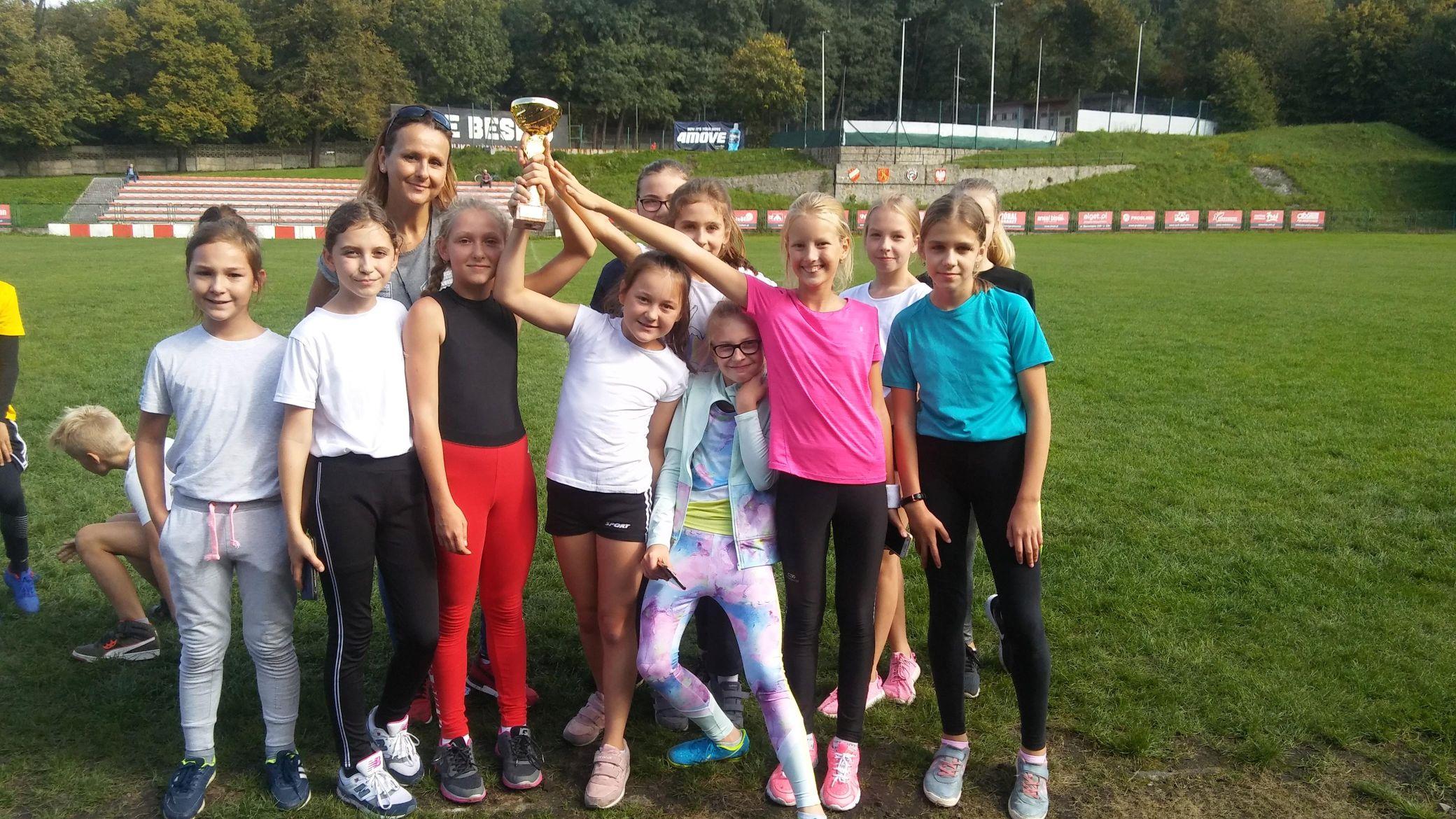 Reprezentacja szkoły w Inwałdzie w finale wojewódzkim
