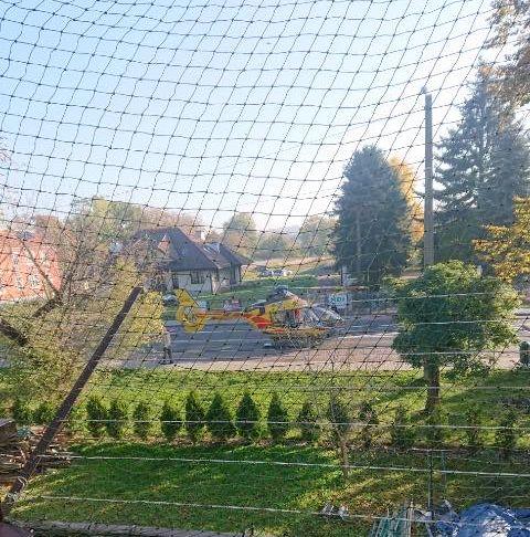 Wypadek w Kętach. Mężczyzna spadł z dachu