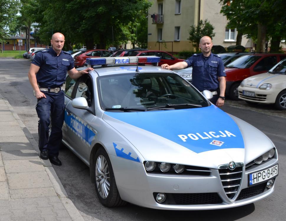 Policjanci uratowali życie rowerzyście z Ukrainy