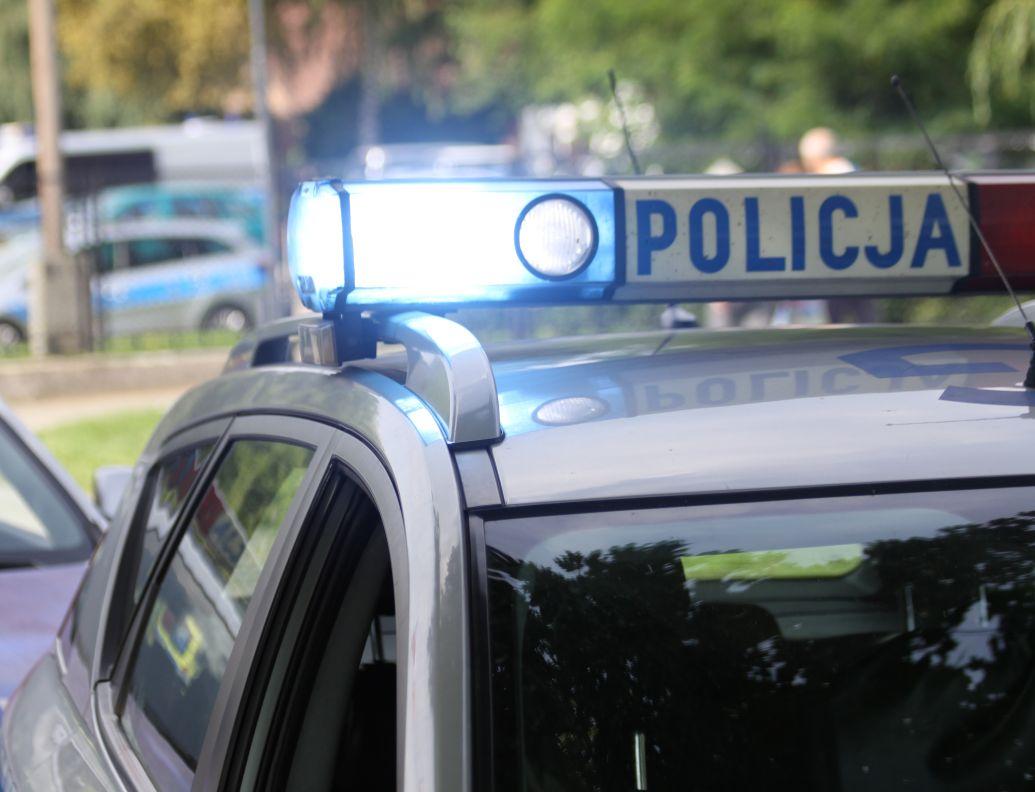 Motorowerzysta popełnił wykroczenie i dwa przestępstwa drogowe za jednym razem