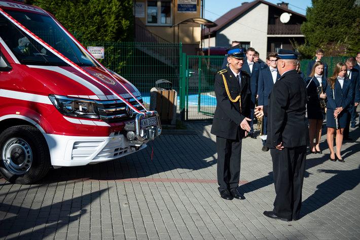 Nowy samochód dla strażaków ochotników