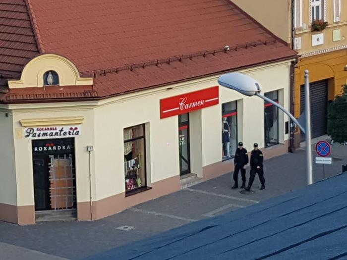 Kolejne włamania do samochodów w Andrychowie