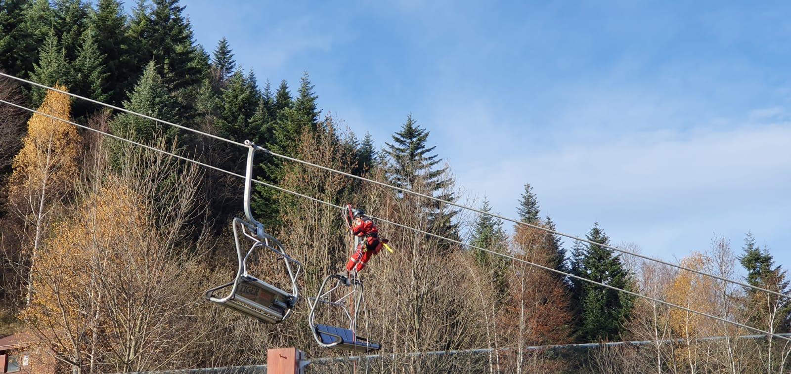 Sezon narciarski coraz bliżej, goprowcy ćwiczyli ewakuację z wyciągu [FOTO]